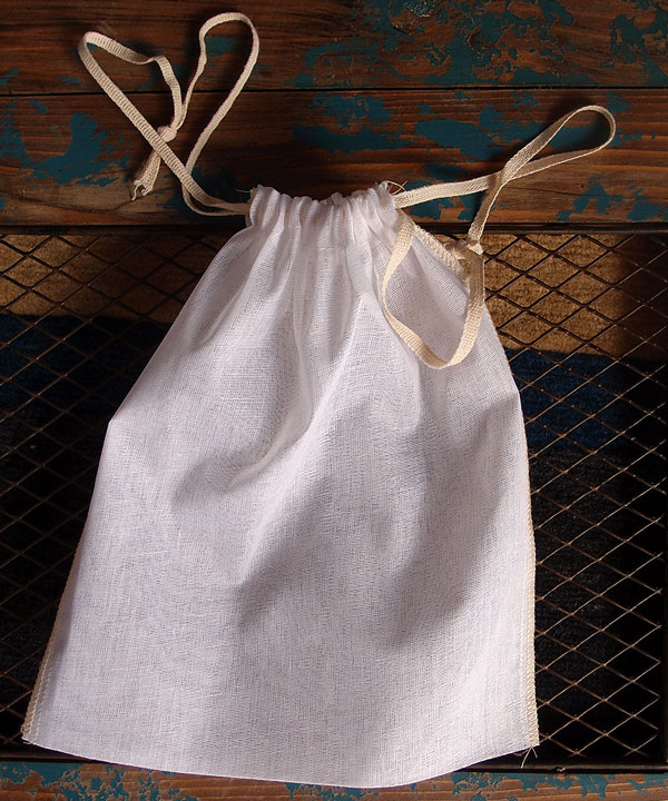 "Cheesecloth Bags with Drawstring 8"" x 10"" (12 Pk) Ivory Edge"